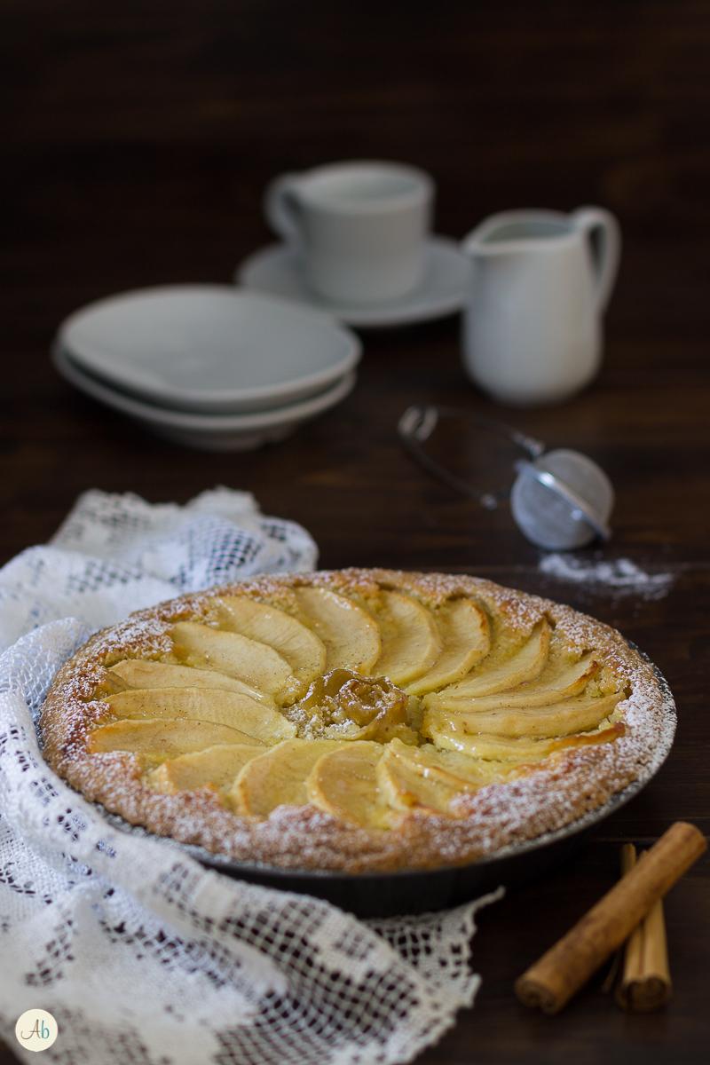Crostata di mele e crema frangipane