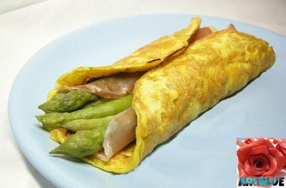 Omelette Con Filetto di Suino ed Asparagi Verdi