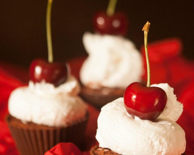 Cupcakes al Cacao e Ciliegie