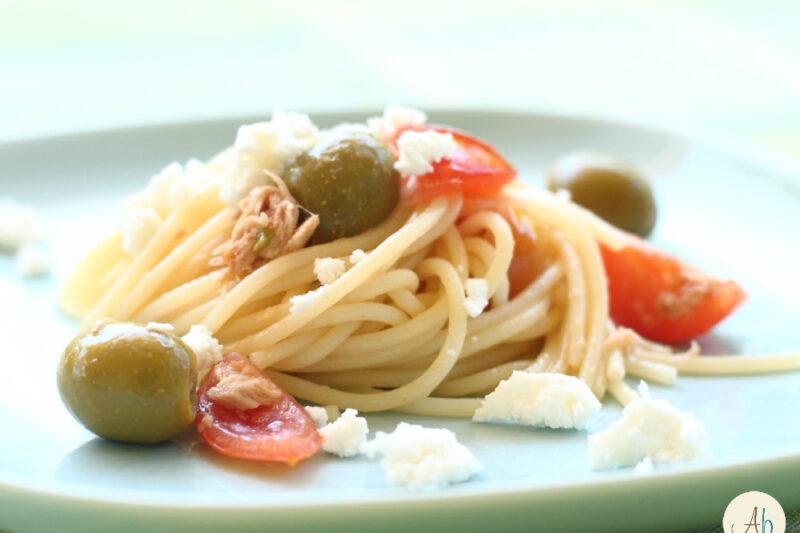 Spaghetti Ricotta Tonno Pomodorini Olive