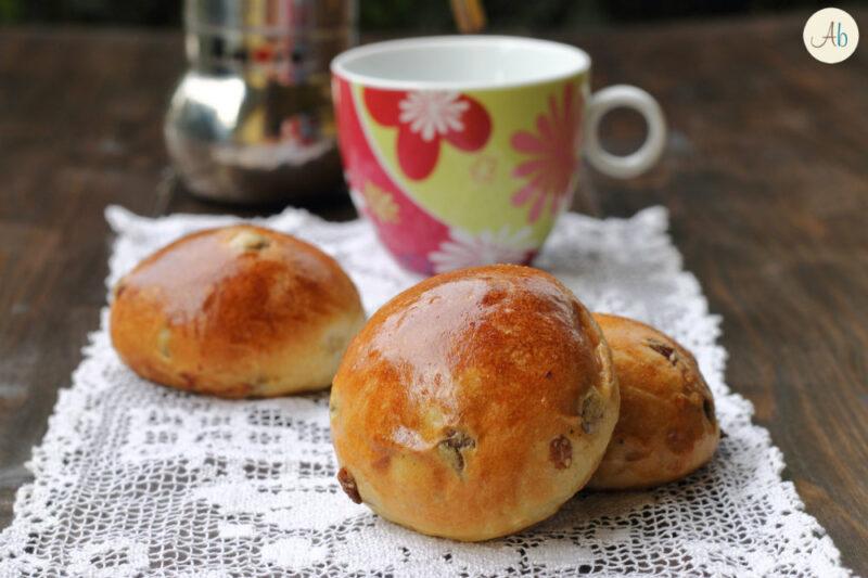Maritozzi con Uvetta con Pasta Madre