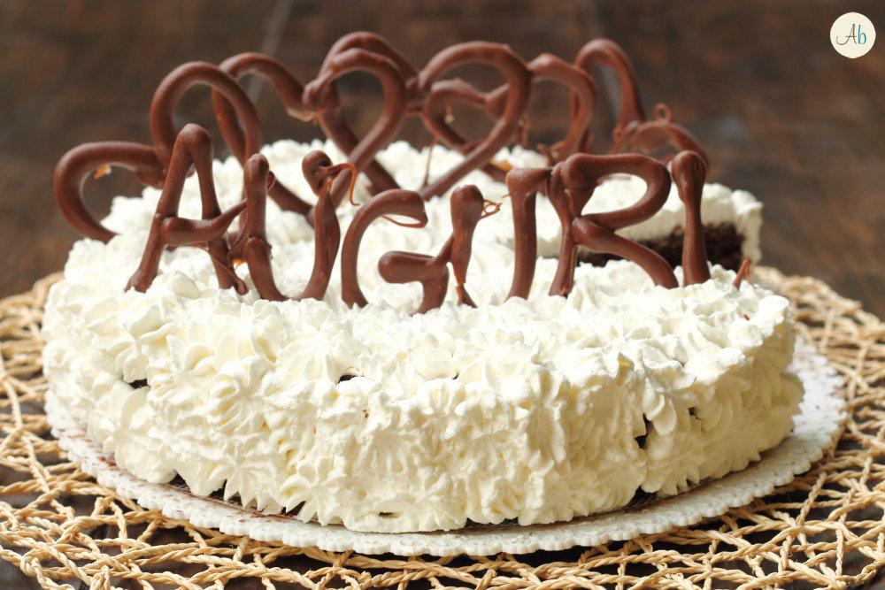 Torta al cioccolato e panna facilissima aryblue for Decorazioni torte uomo con panna