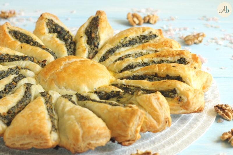 Torta Salata Fiore alle Erbe e Noci