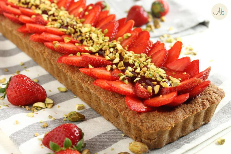 Crostata di Fragole e Pistacchi con Frolla al Farro – ricetta vegan