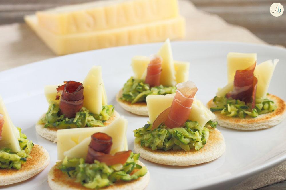 Crostini con Zucchine e Formaggio Asiago