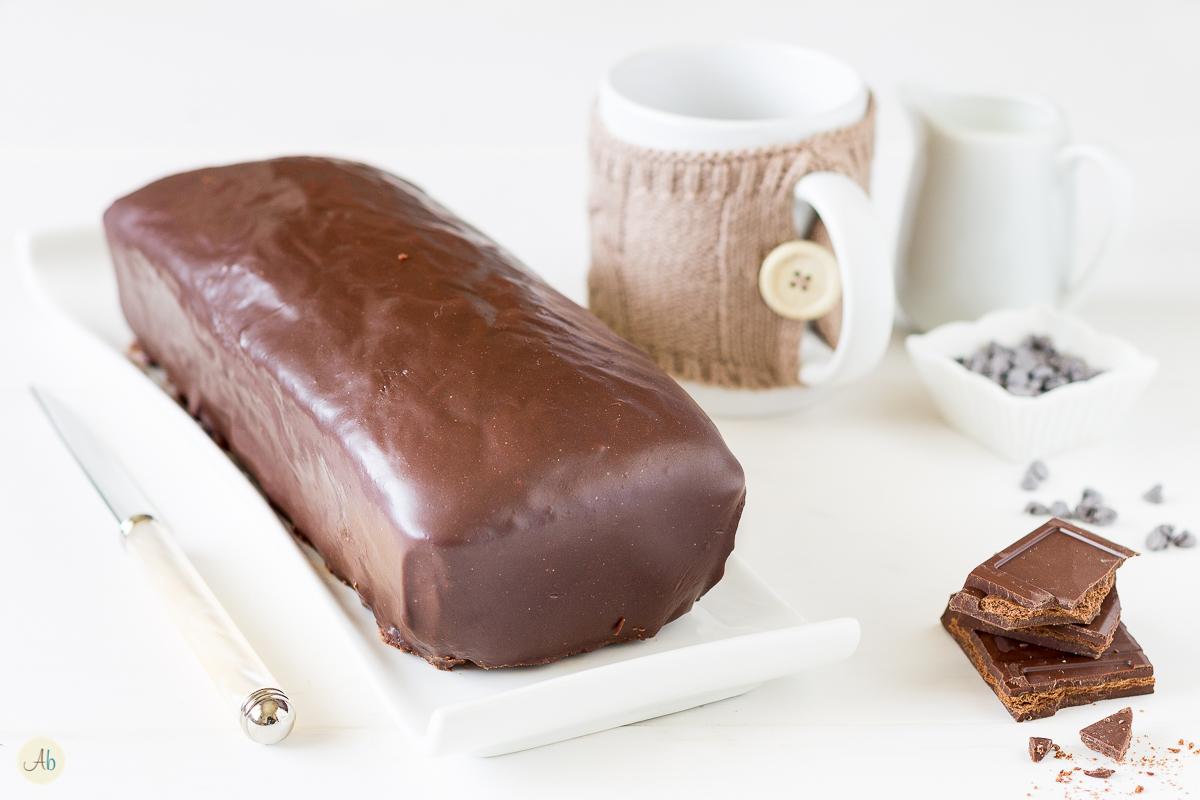 cake banana ricoperto al cioccolato