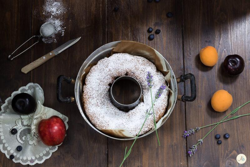 Ciambella di ricotta e frutta nel Fornetto Versilia
