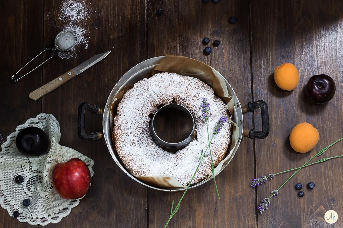 Ciambella di ricotta e frutta