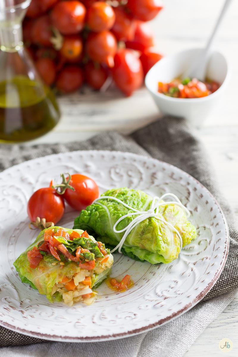 Involtini di verza con merluzzo e pomodorini del piennolo del vesuvio aryblue - Cucina fanpage secondi piatti ...