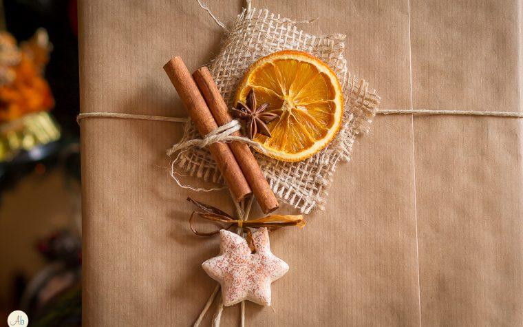 Decorazioni natalizie homemade – formine in pasta madre ed arance essiccate