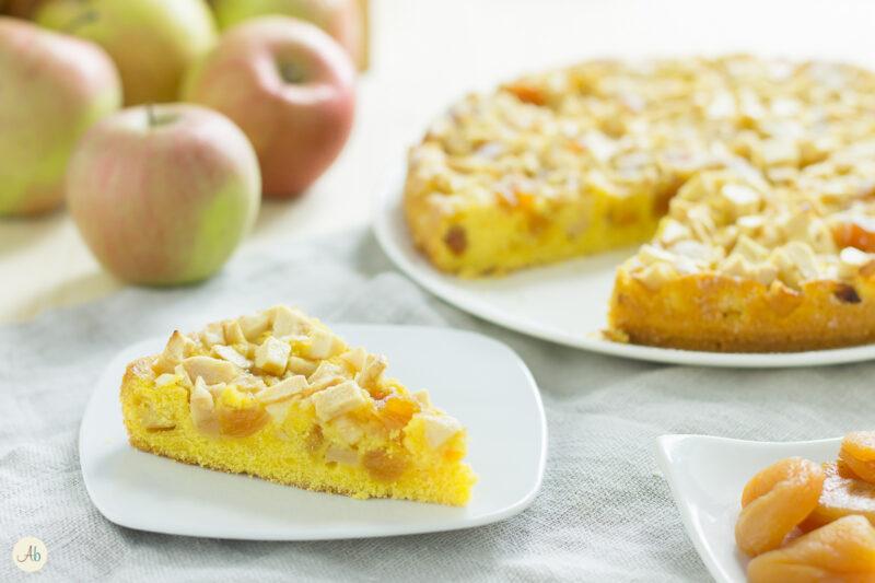 Torta di mele ed albicocche secche