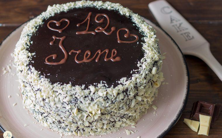 Torta cioccolato e confettura di fragole