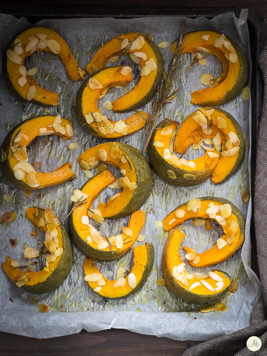 zucca con le mandorle al forno