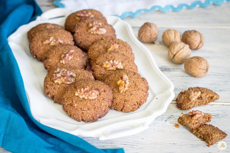 Biscotti alle noci con semi di anice – ricetta vegan