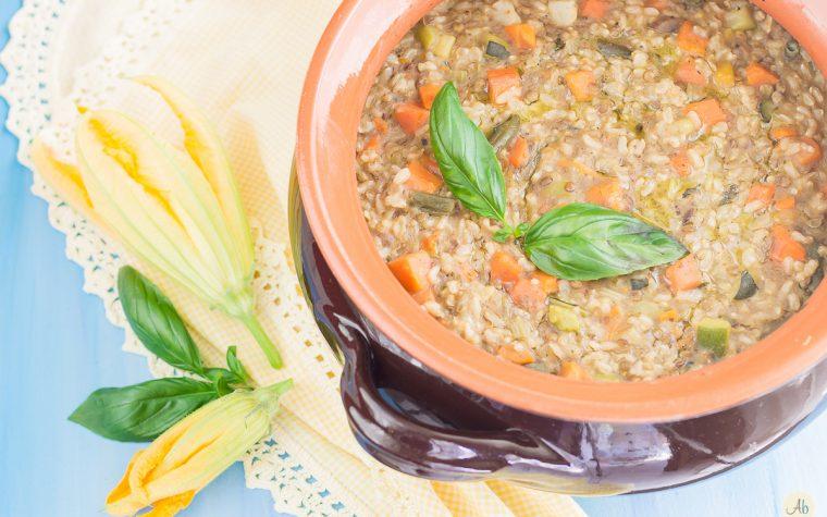 Zuppa semplice colorata e completa