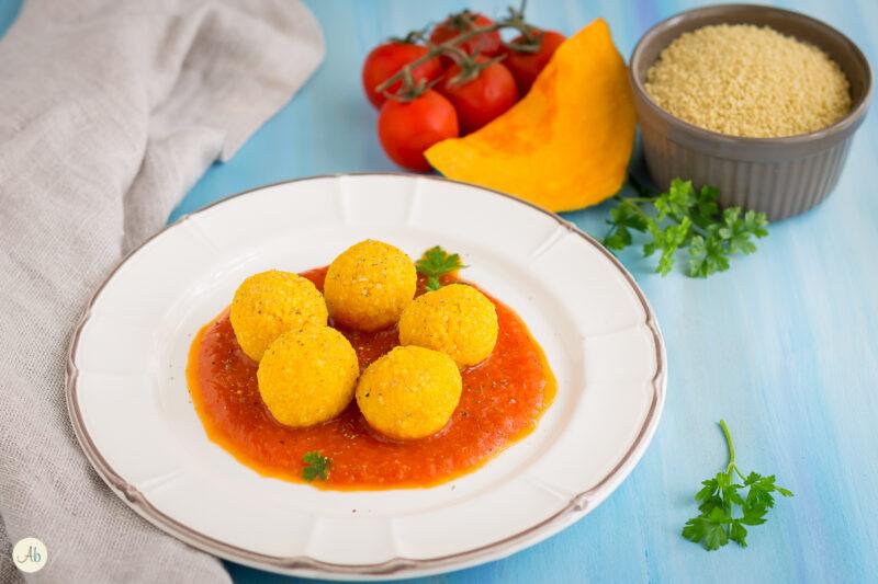 Gnocchi di cous cous e zucca in salsa di pomodoro