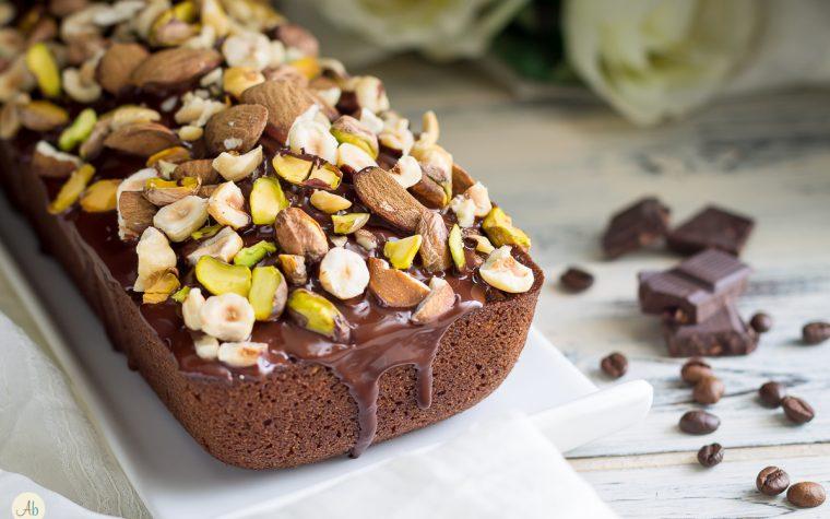 Plumcake al caffè e frutta secca – ricetta vegan