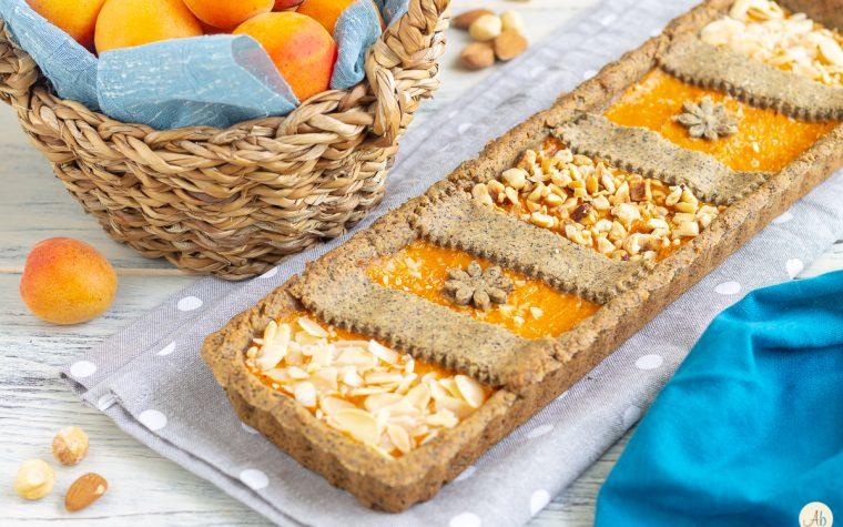 Crostata consapevole di grano saraceno con composta di albicocche