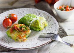 Involtini di verza con merluzzo e pomodorini del Piennolo del Vesuvio