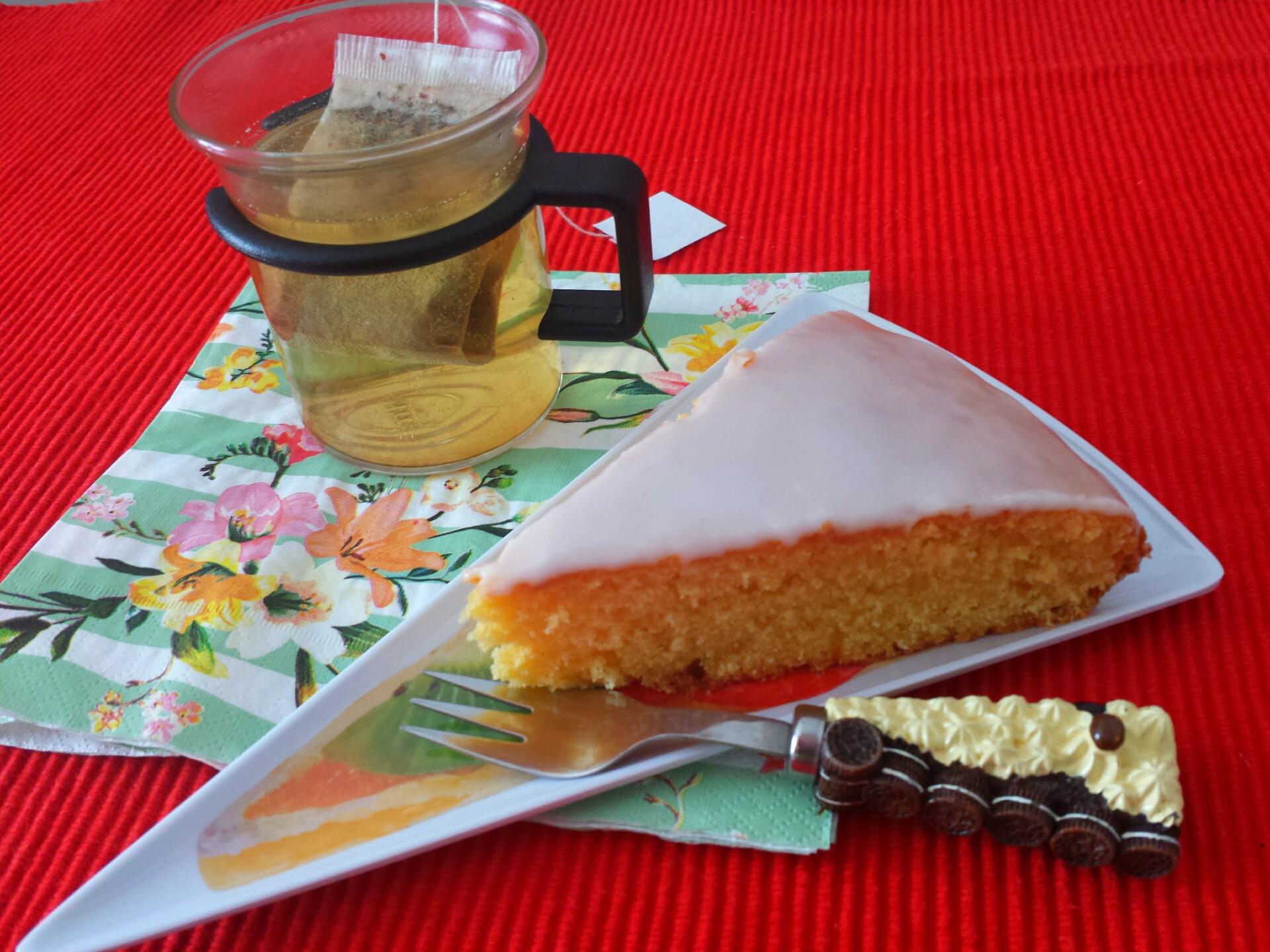 torta glassata agli agrumi senza glutine e lattosio