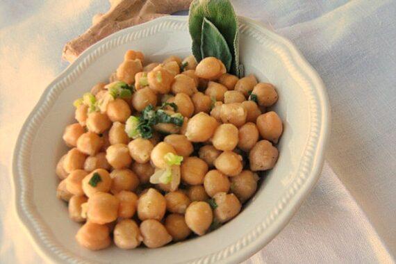 SALVIA FRITTA  e CECI ALLO ZENZERO Ricette aperitivo/antipasto