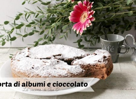 Torta di albumi con cioccolato fondente