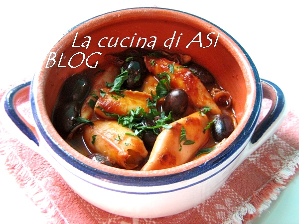 Calamari in umido con olive nere