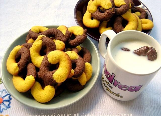 ABBRACCI CASALINGHI CIOCCOLATO-VANIGLIA Ricetta biscotti dolci