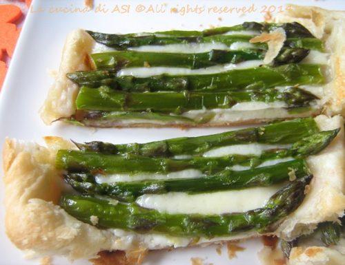 QUICHE DI ASPARAGI E GRUVIERA Ricetta salata di stagione
