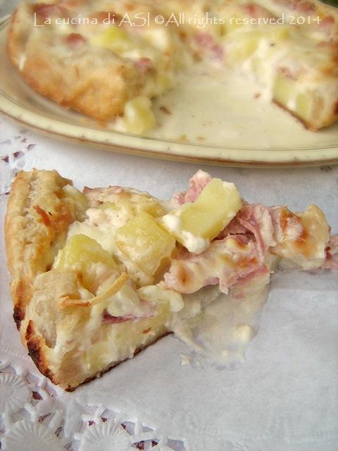 Torta salata con patate,prosciutto e crescenza