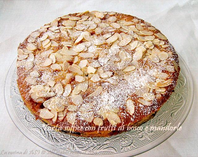 Torta frutti di bosco e mandorle la cucina di asi for Nuove ricette dolci
