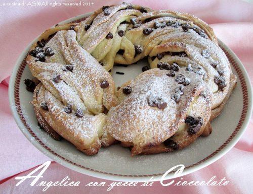 ANGELICA CON GOCCE DI CIOCCOLATO Ricetta lievitato dolce