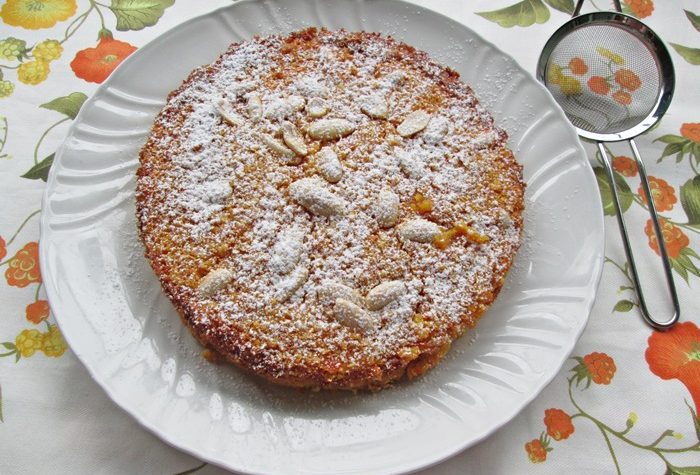 TORTA DI ARANCE FRULLATE  E MANDORLE Ricetta dolce senza burro e farina