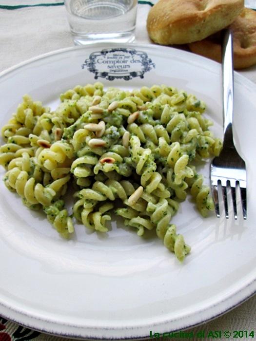 fusilli gorgonzola broccoli pinoli La cucina di ASI © 2014
