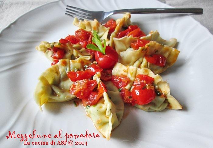 Le mezzelune al pomodoro La cucina di ASI © 2014
