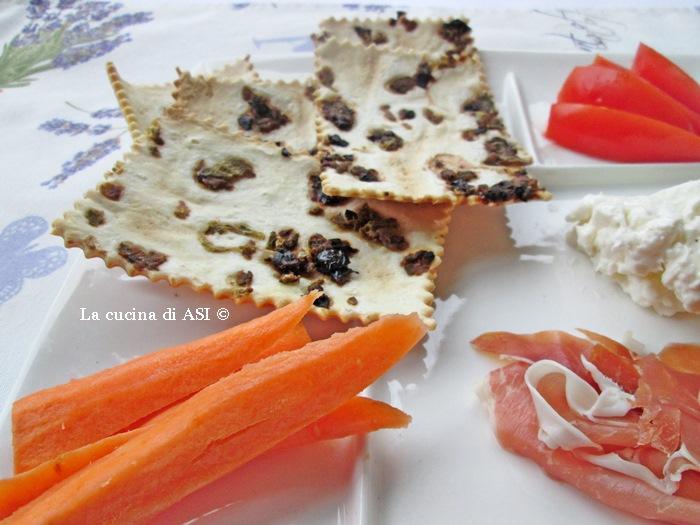 CRACKERS VELOCISSIMI ALLE OLIVE La cucina di ASI © 2014