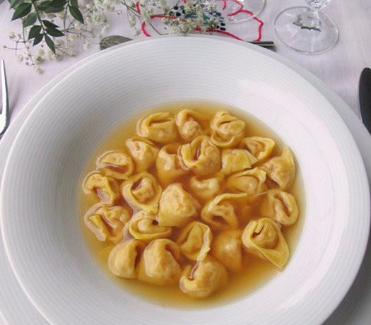 TORTELLINI BOLOGNESI Ricetta primo piatto