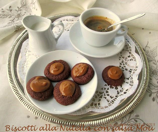 Biscotti-alla-Nutella con salsa mou-