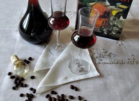 LIQUORE con  CHICCHI DI CAFFE' Ricetta liquore casalingo