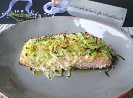 SALMONE AL FORNO CON PATATE E ZUCCHINE Ricetta secondo piatto di pesce