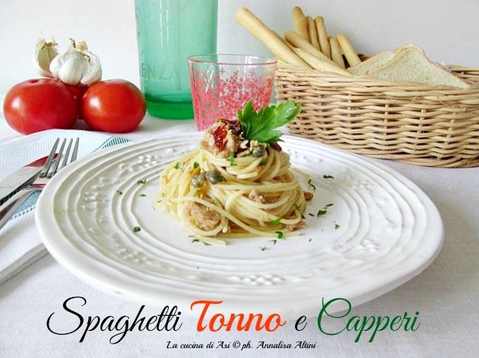 spaghetti-tonno-e-capperi-La-cucina-di-ASI-2015 annalisa altini
