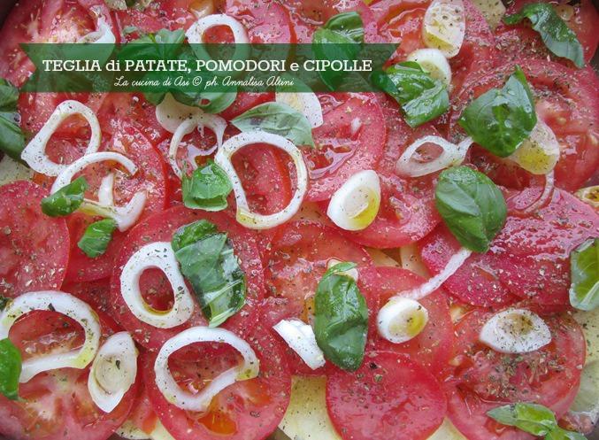 teglia di patate pomodori cipolle La cucina di ASI
