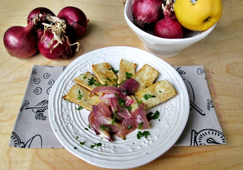 TOFU VENEZIANA La cucina di ASI © Cipolle rosse mela tofu-