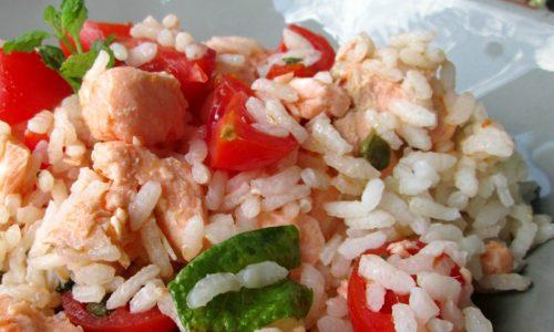 INSALATA DI RISO CON SALMONE Ricetta primo piatto freddo