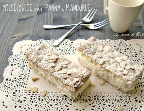 MILLEFOGLIE CON PANNA E MANDORLE Ricetta dolcetto veloce