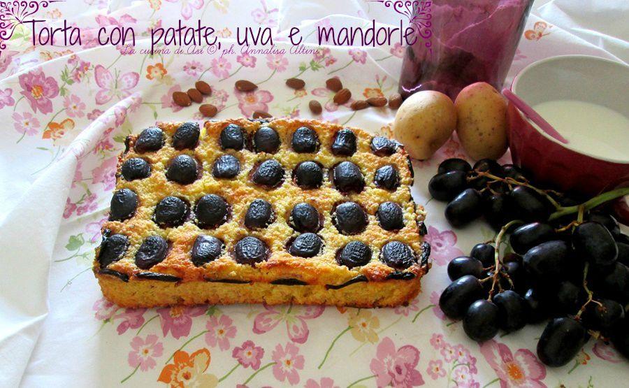 Torta con patate uva e mandorle