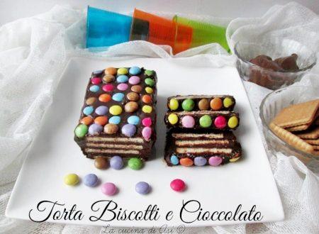 Torta biscotti e cioccolato-Ricetta dolce