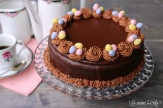 torta caffè e cioccolato con ovetti