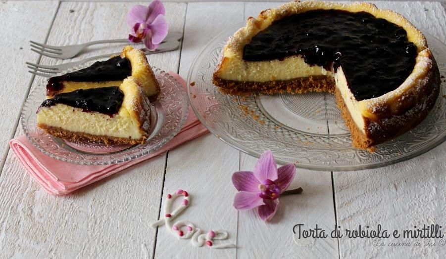 torta di robiola e mirtilli