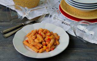 Fusilli peperoni e gorgonzola